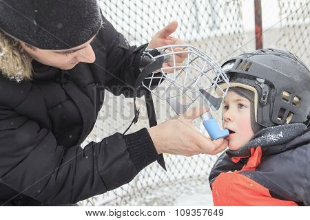 asthma boy in winter season