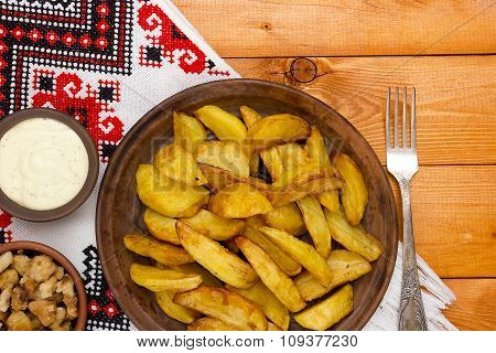 Rustic Potatoes With Bacon And Sauce