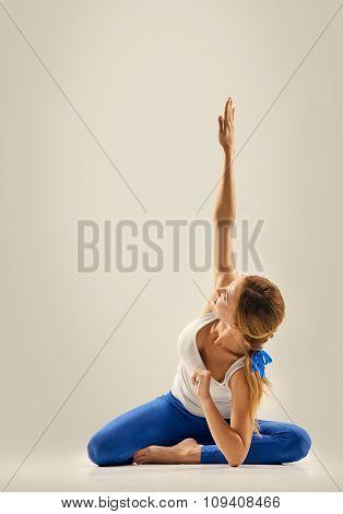 yoga pose. side plank