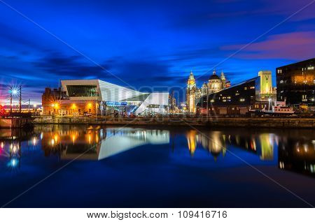 The Museum of Liverpool at night