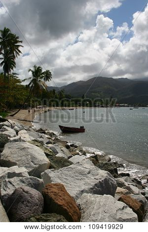 Rocks and beach in Dominica
