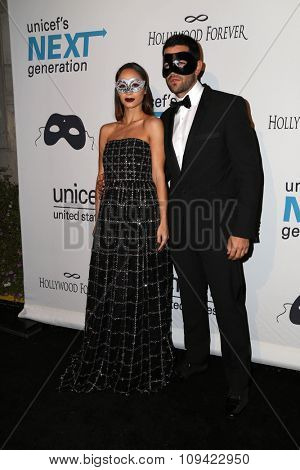 LOS ANGELES - OCT 30:  Cara Santana, Jesse Metcalfe at the 2nd Annual UNICEF Masquerade Ball at the Hollywood Forever on October 30, 2014 in Los Angeles, CA