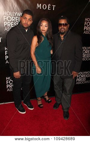 LOS ANGELES - AUG 13:  O'Shea Jackson Jr, Guest, Ice Cube at the HFPA Hosts Annual Grants Banquet - Arrivals at the Beverly Wilshire Hotel on August 13, 2015 in Beverly Hills, CA