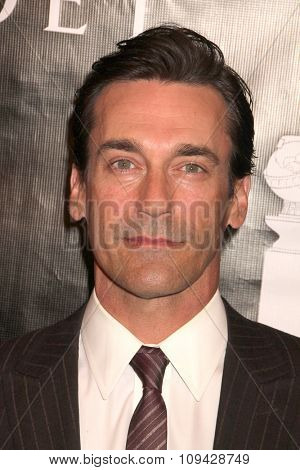 LOS ANGELES - AUG 13:  Jon Hamm at the HFPA Hosts Annual Grants Banquet - Arrivals at the Beverly Wilshire Hotel on August 13, 2015 in Beverly Hills, CA
