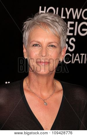 LOS ANGELES - AUG 13:  Jamie Lee Curtis at the HFPA Hosts Annual Grants Banquet - Arrivals at the Beverly Wilshire Hotel on August 13, 2015 in Beverly Hills, CA
