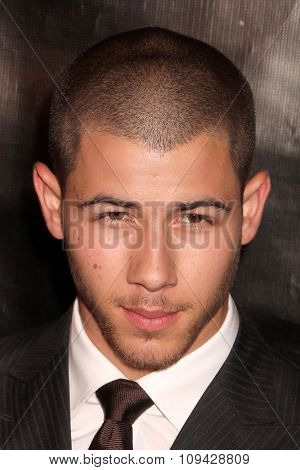 LOS ANGELES - AUG 13:  Nick Jonas at the HFPA Hosts Annual Grants Banquet - Arrivals at the Beverly Wilshire Hotel on August 13, 2015 in Beverly Hills, CA