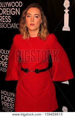 LOS ANGELES - AUG 13:  Saoirse Ronan at the HFPA Hosts Annual Grants Banquet - Arrivals at the Beverly Wilshire Hotel on August 13, 2015 in Beverly Hills, CA