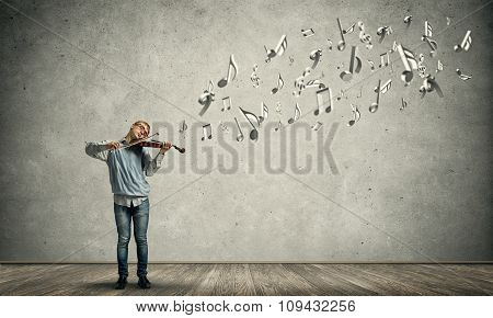 Boy play violin