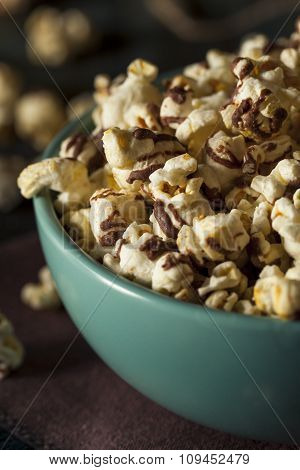Homemade Chocolate Drizzled Caramel Popcorn