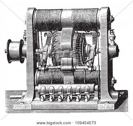 Machine double ring Gram, vintage engraved illustration. Industrial encyclopedia E.-O. Lami - 1875.