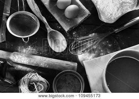 Products for baking flour and eggs