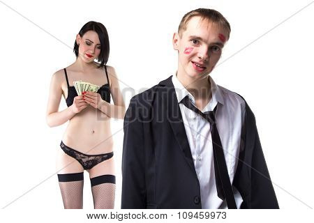 Man in kisses and woman counting money