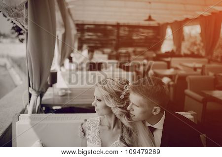 couple sitting in a cafe