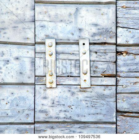 Santo A  Abstract  Rusty Brass Brown Knocker