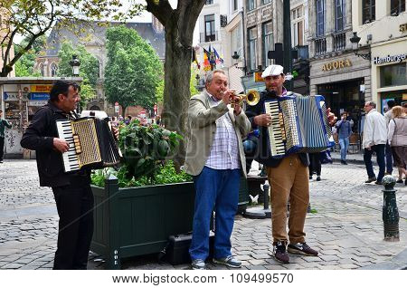Brussels, Belgium - May 12, 2015: Street Musician At Place D'espagne (spanish Sqaure) In Brussels