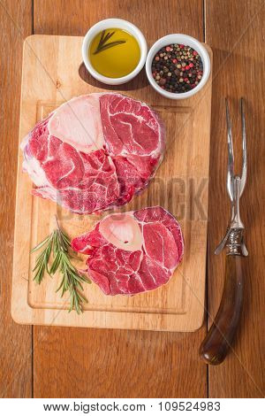Raw Fresh Cross Cut Veal Shank