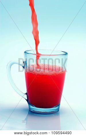 orange juice flow to glass