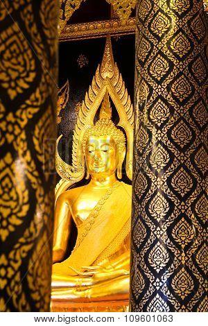 Phra Buddha Chinnarat At Phra Si Rattana Mahathat Temple ,phitsanulok Province, Thailand. ( Temple O