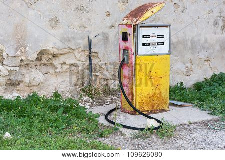 Distributor Or Gas Pump, Abandoned.