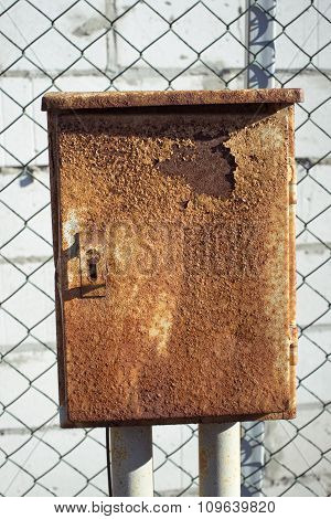 Rusty Metallic Box