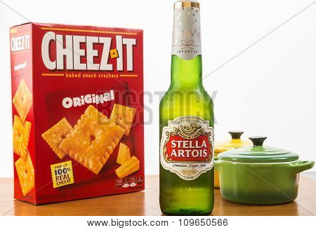 Beer And Baked Cheese Crackers