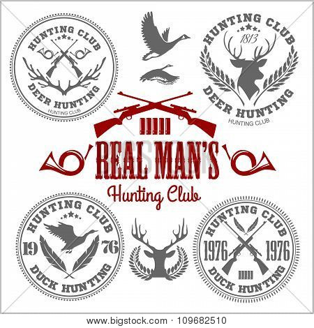 Vector set of vintage hunting emblems.