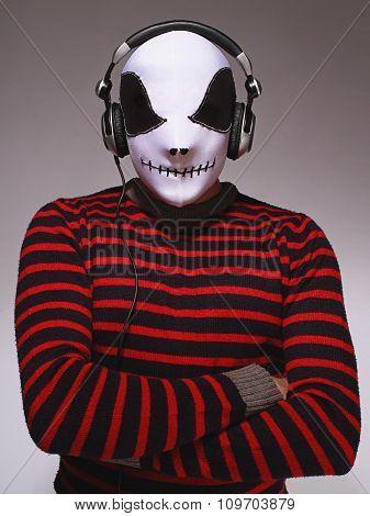Dj Wearing Mask