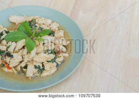 Spicy Fried Chicken With Basil Leaves