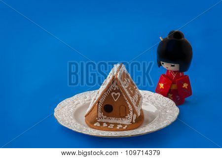 Ginger Gingerbread House    Next To The Doll Kokeshi (mass Production)