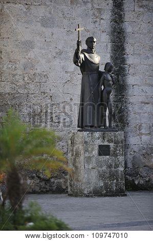 Old Havana Statues.