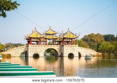 Slender West Lake Scenery Of The Five Pavilion Bridge