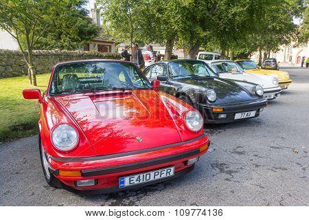 Classic Porsche 911 Carrera line up