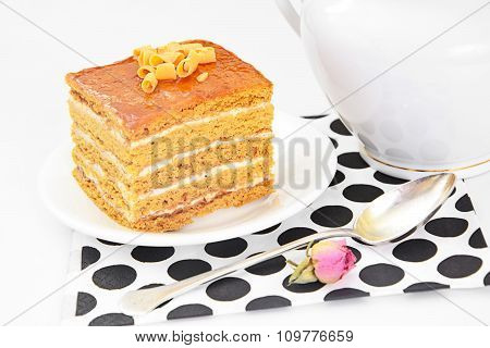 Cake with Condensed Milk, Nuts and Honey.