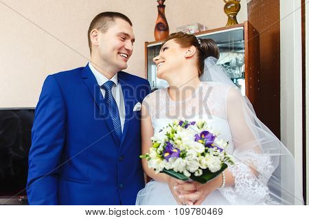 Handsome groom meeting the beauty bride
