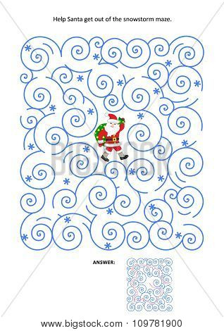 Maze game with Santa in blizzard