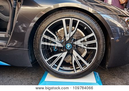 London, UK - October 31, 2015:  Regent street motor showThe aluminum rims and low profile tires