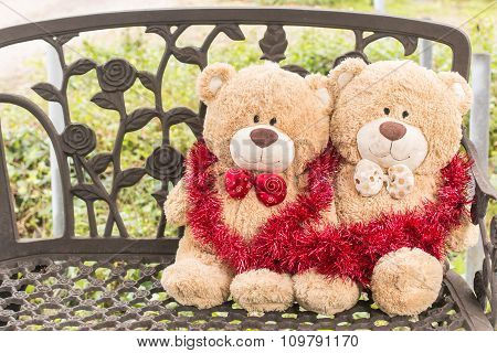 Christmas  Gift  Two  Bear With  Celebration On Bench