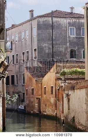 Venetian Backstreet