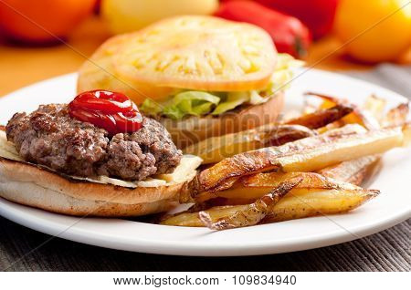 Organic Beef Hamburger With Hand Cut Fries