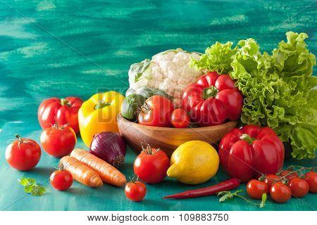 vegetables tomato pepper carrot onion cauliflower lettuce