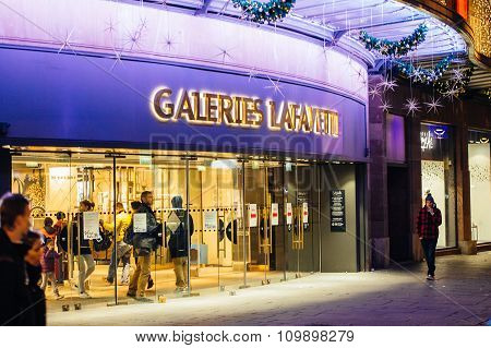 Ready For Christmas, Galeries Lafayette