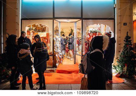 Christmas Store Shopping Souvenirs,