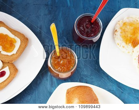 Jam and toasts