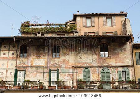 frescoed Mazzanti houses