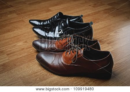 Stylish Men's Black And Brown Shoes