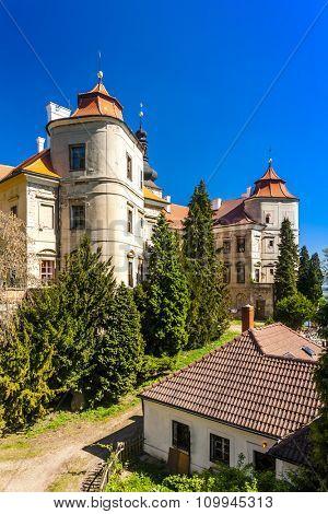 Jezeri Palace, Czech Republic