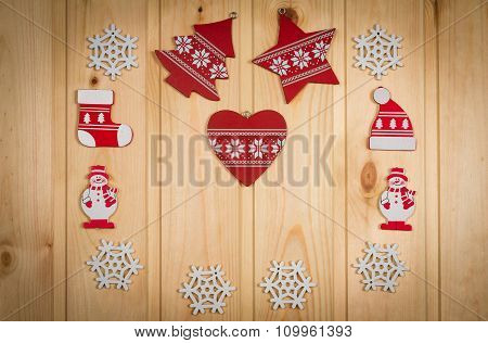 Wooden Christmas Figurines Snowmen Snowflakes Christmas Tree Hat And Stockings