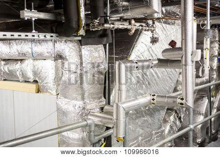 Temperature control room of large building