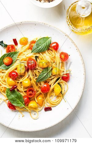 Spaghetti With Red And Yellow Cherry Tomato