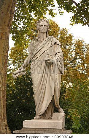 Schiller Statue